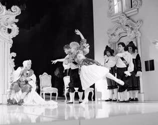 Kultúra - Színház - Moliere: Az úrhatnám polgár