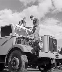 Járműipar - Teherautó javítás
