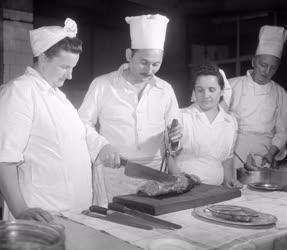 Oktatás - Vidéki szakácsok a Belvárosi Kávéházban