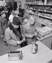 Életkép - Kereskedelem - Nagyatádi szövetkezeti áruház