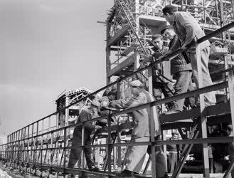 Ipar - Épül az Alsózsolcai Épületelemgyár