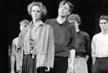 Kultúra - Színház - Vizsgaelőadás - Michael Bennet emlékére
