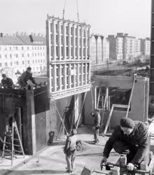 Építőipar - Épül az Üllői úti lakótelep
