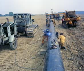 Energia - Épül az Adria-kőolajvezeték