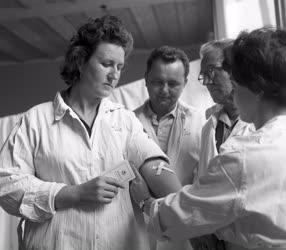 Egészségügy - Vért adnak a kőbányai dolgozók