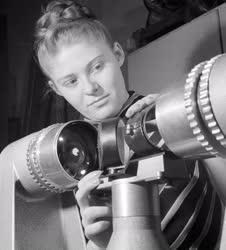 Ipar - Műszeripar - Újdonságok a Filmtechnikai Vállalatnál