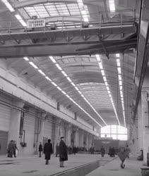 Ipar - Átadták a Dunakeszi Járműjavító Üzemi Vállalat új csarnokát