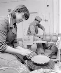 Foglalkozás - Kézműipar - Csákvári fazekasok