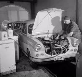 Szolgáltatás - Autójavító Vállalat - Modern műszerek