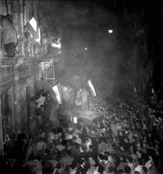 Ötvenhat emléke - A Magyar Rádió előtti tüntetés