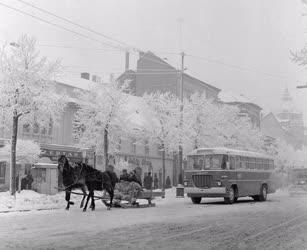 Városkép - Debrecen - Forgalom a havas Vöröshadsereg útján