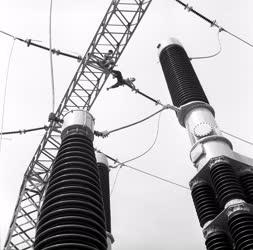 Energia - 220 ezer voltos áramelosztó a fővárosban