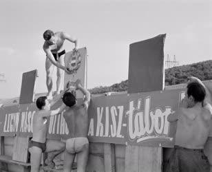 Vakáció - KISZ építőtábor Berentén