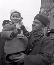 Külkapcsolat - Szovjet csapatok búcsúztatása