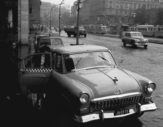 A szerző válogatása - Új taxik a fővárosban