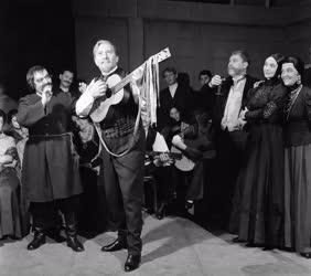 Kultúra - Színház - Tolsztoj: Élő holttest
