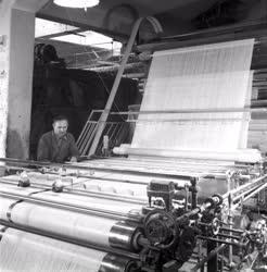 Ipar - Textilipar - A Kelenföldi Textilkombinát Kiváló dolgozója