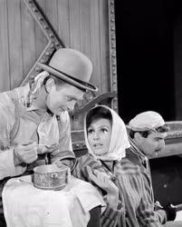 Kultúra - Madách Színház - Bertolt Brecht: Svejk a második világháborúban