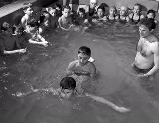 Oktatás - Általános iskolai úszásoktatás