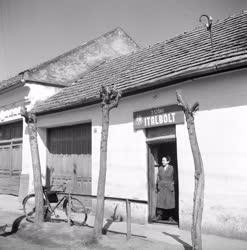 Gazdaság - A sarkadi földművesszövetkezet első boltja