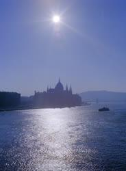 Városkép - Napfényhíd a Dunán