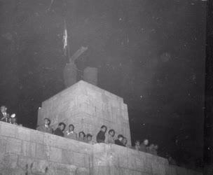Ötvenhat emléke - Tüntetés a Sztálin-szobornál