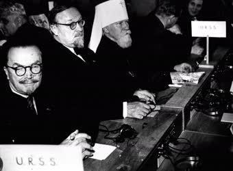 Külpolitika - A Béke Hívei II. Világkongresszusa
