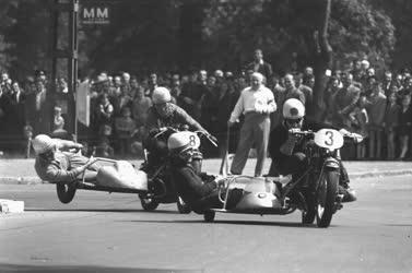 Sport - Motorverseny a Városligetben