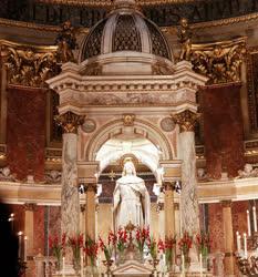 Egyház - A Szent István Bazilika