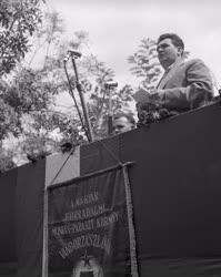Kitüntetés - Kitüntették a nádudvari Vörös Csillag Termelőszövetkezetet