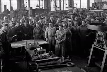 Belpolitika - Lenin születésnapja - Fémáru és Szerszámgépgyár