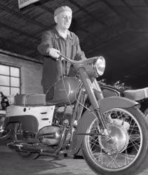 Járműipar - Csepeli Motorkerékpár gyár