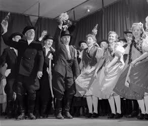 Kultúra - Folklór - Nagykállói népi együttes