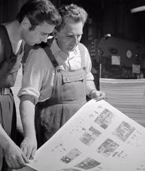 Oktatás - Nyomják a tankönyveket az Athenaeum Nyomdában