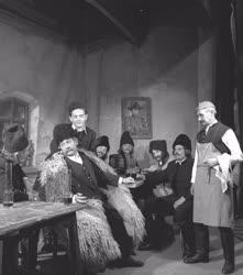 Kultúra - Színház - Háry János - Szegedi Nemzeti Színház