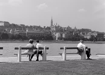 Szabadidő - Nyárvégi séta a Duna-parton