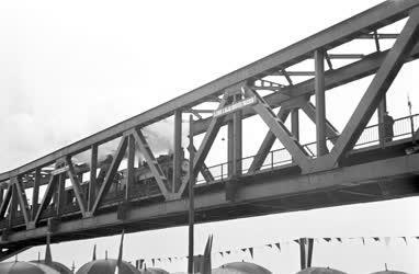 Közlekedés - A bajai híd felavatása