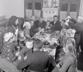 Városkép-életkép - Disznótoros vacsora Püspökhatvanban