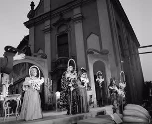 Kultúra - Színház - Szentendrei Teátrum - Botcsinálta bölcsek