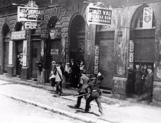 Történelem - 1912 - Vérvörös csütörtök