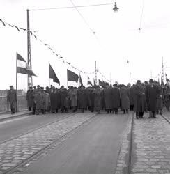 Közlekedés - Sztálin híd avatása