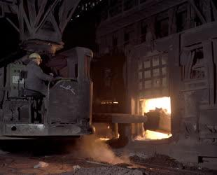 Ipar - A Csepeli Acélműben