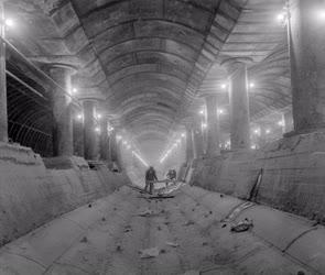 Ipar - Metróépítés - Készül a Batthyány téri állomás