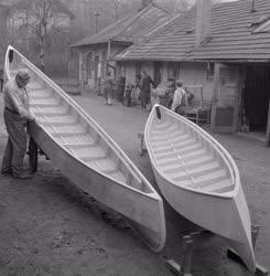 Ipar - Csillaghegyi Faipari és Csónaképítő KTSz