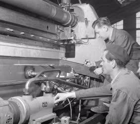 Ipar - A májusi Ipari Vásárra készül a DIMÁVAG