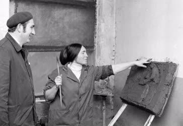 Kultúra - Szobrászat - Takács Erzsébet a Láng Gépgyárban
