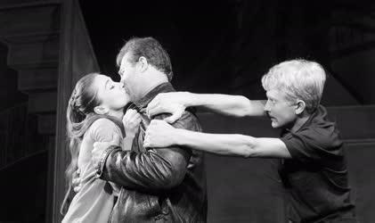 Kultúra - Színház - Arthur Miller: Pillantás a hídról