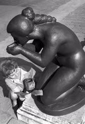 Képzőművészet - Új típusú műanyagból készítik a szobrok reprodukcióit