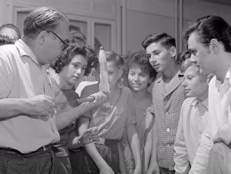 Tudomány - Oktatás - Tanfolyam az Uránia Bemutató Csillagvizsgálóban