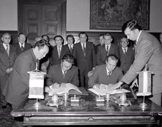Külkapcsolat - Magyar-mongol megállapodás